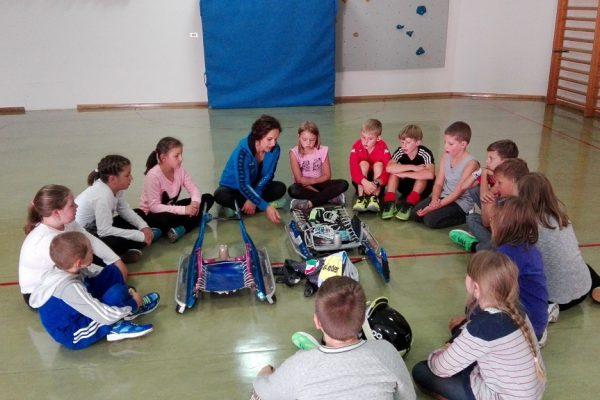 Sportstunde mit Weltmeisterin Evelyn Lanthaler